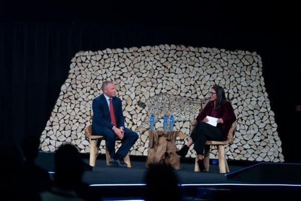 Nicolai Tangen & Rachel Botsman at Oslo Business Forum 2021